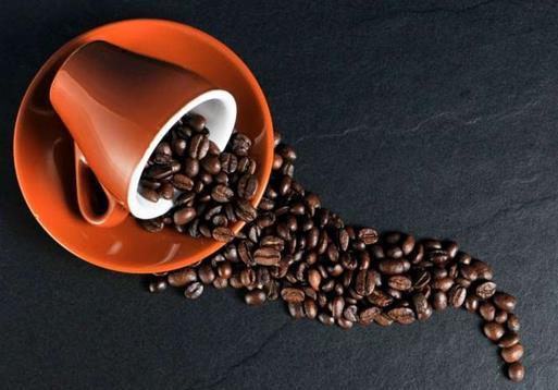 喝咖啡可以将其患肝癌的风险降低一半