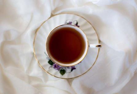 研究发现,富含抗氧化剂的食物(如红茶,巧克力和浆果)可能会增加某些癌症的风险